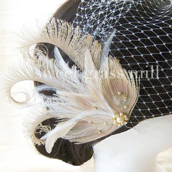 """Свадьба - Fascinator & Veil Set - Bleached Beige Peacock Ostrich Feather """"Champagne Soiree"""" Great Gatsby Headpiece and Birdcage Veil"""