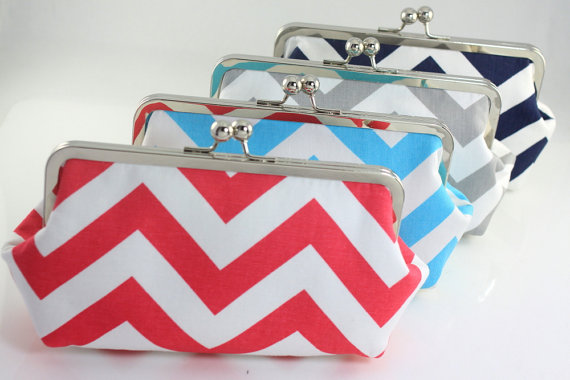 Mariage - Chevron ZigZag Bridesmaid Clutches / Bridesmaids Clutches / Design your Own Clutches in Various Colors - Set of 5