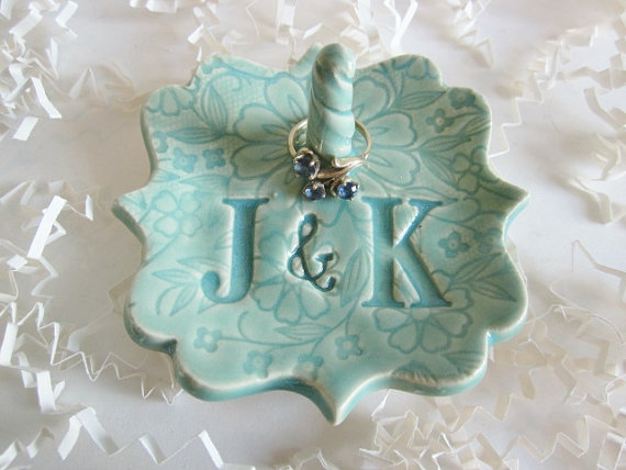 Mariage - Mr and Mrs  ring holder, gift for Bridal shower, personalized ring holder, engagement, birthday, ceramic pottery