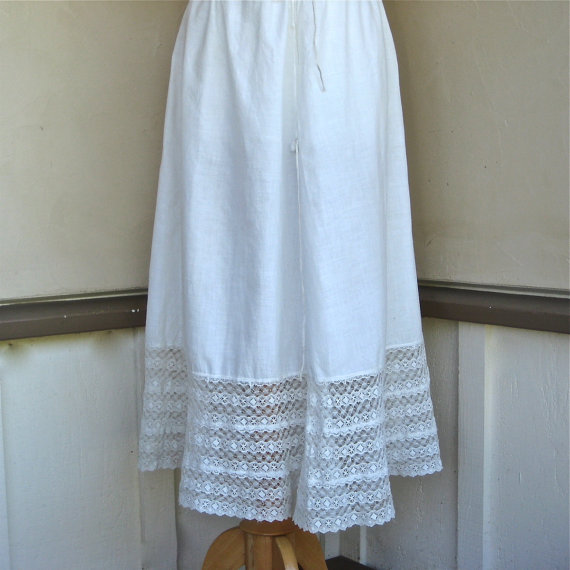 Mariage - Antique Victorian Petticoat Cotton and Lace Drawstring Skirt