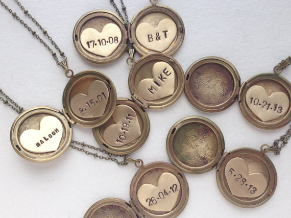 Mariage - Personalized jewelry, Initial necklace, bridal jewelry, vintage locket initial monogram brass gold locket necklace wedding locket necklace