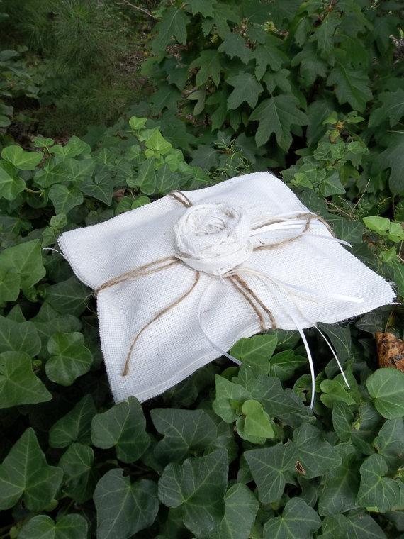 Свадьба - White Burlap Ring Pillow READY to SHIP Handmade Burlap Pillow Bedroom Rustic Wedding Ceremony Ring Bearer Pillow French Country Farmhouse