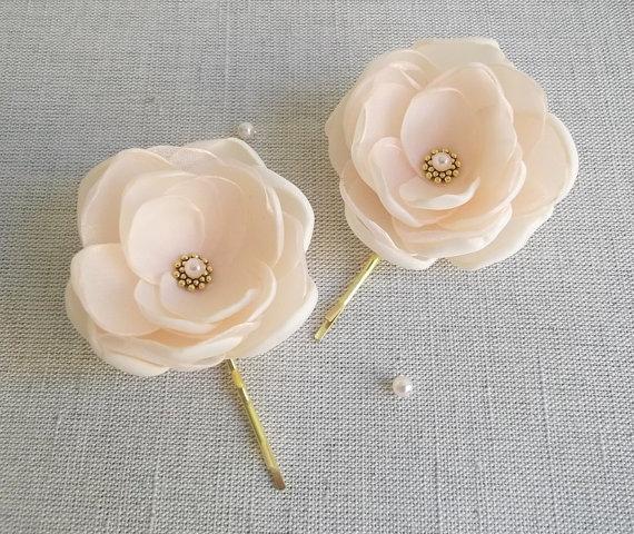 Свадьба - Nude Beige pale peach fabric flower in handmade Bridal Bridesmaids hair shoe clip dress sash accessory Ornament Weddings gold pearls girls
