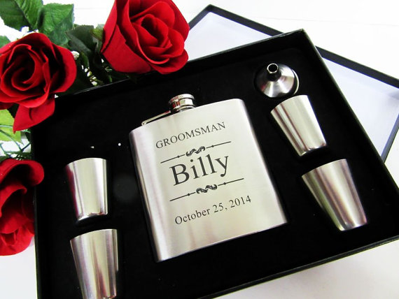 Свадьба - Groomsmen Gift Box - 7 Piece Set - Free Personalization