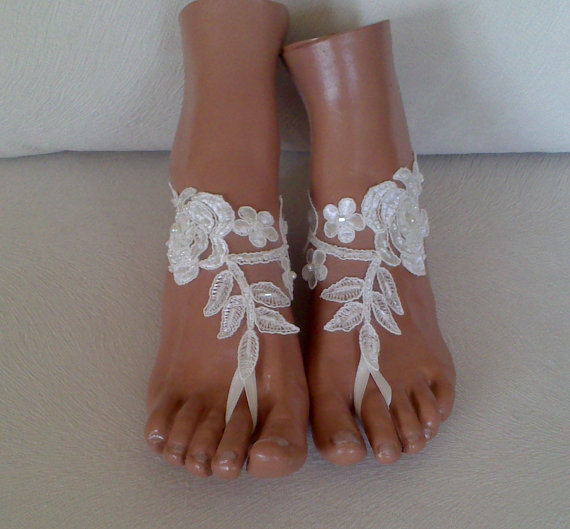 Mariage - Free rush ship ivory beaded Beach bridal shoe wedding accessory barefoot sandals shoes prom party bangle beach anklets bridal bride