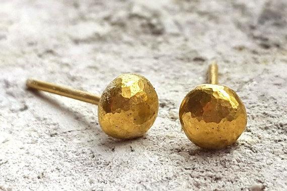 Hochzeit - 22K Gold Dotted Stud Earrings - Dainty Tiny Earrings - Handmade Earrings - Minimalist Jewelry - Wedding Earrings - Venexia Jewelry