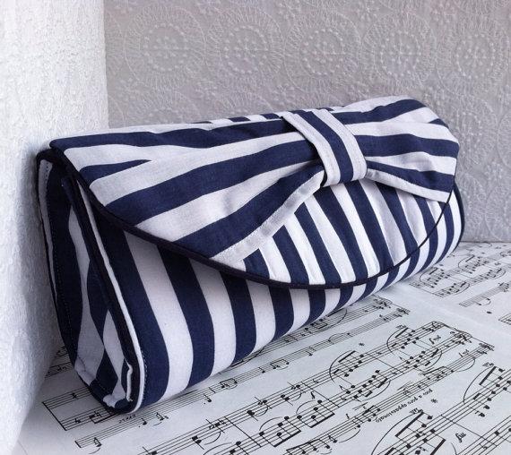 Hochzeit - Wide blue and white striped nautical clutch bag. Bow clutch purse. Navy blue clutch, nautical wedding, Made to order