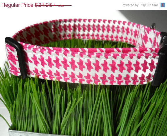 Свадьба - SALE Dog collar - Pink and white herrod plaid  houndstooth print - Your choice of size...