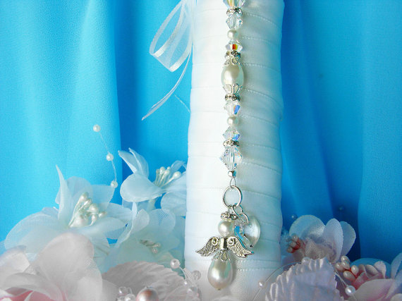 Boda - White Wedding Bouquet Charm Swarovski Crystal and Pearl Angel Bridal Bouquet