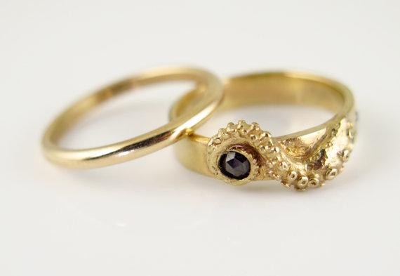 Свадьба - HOLIDAY SALE- Wedding Set, 14K Gold Tentacle Jewelry, Diamond, Black Diamond, Wedding Band, Engagement Set, Octopus Jewellery