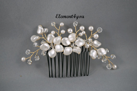 Wedding - Bridal comb, Ivory pearls hair piece, Wedding hair accessories, White pearls hair comb, Flower hair vines, Silver or gold wire, Beaded comb
