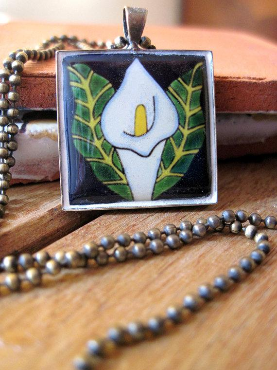 Hochzeit - Southwestern wedding, Mexican jewelry, Calla Lily Mexican tile design necklace, Talavera, Frida Kahlo and Diego Rivera, Native Jewelry style