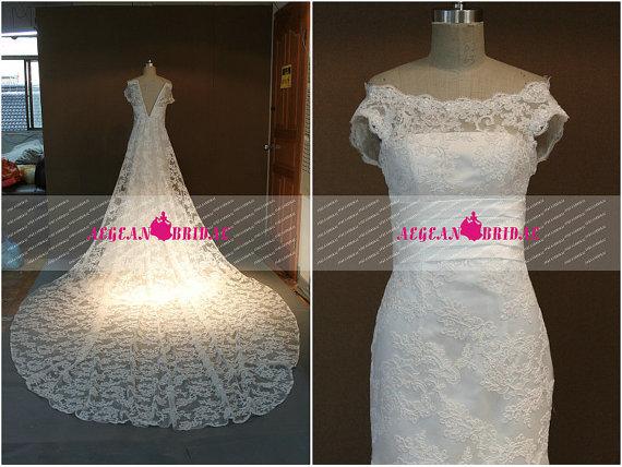 Mariage - RW112 Lace Wedding Dress with detachable Cathedral Train Mermaid Wedding dresses Off Shoulder Bridal Dress beach Wedding Gown Zipper Up