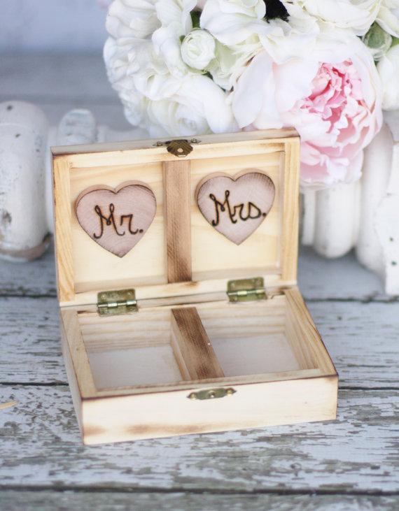 Свадьба - Custom Rustic Chic Ring Bearer Pillow Box Mr and Mrs Monogrammed
