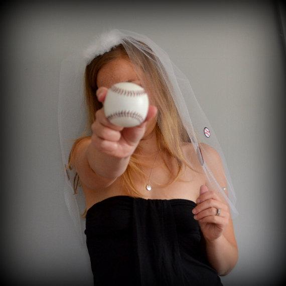 Свадьба - BASEBALL bride BACHELORETTE VEIL with rhinestones - Ready to ship