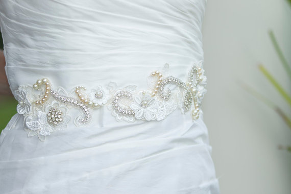 Свадьба - Handmade Applique Wedding Sash, Wedding Belt,  Pearl and Rhinesone Wedding Sash