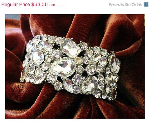 Свадьба - Bridal bracelet, bridal cuff, crystal cuff, vintage inspired rhinestone bracelet , wedding jewelry, bridesmaid jewelry