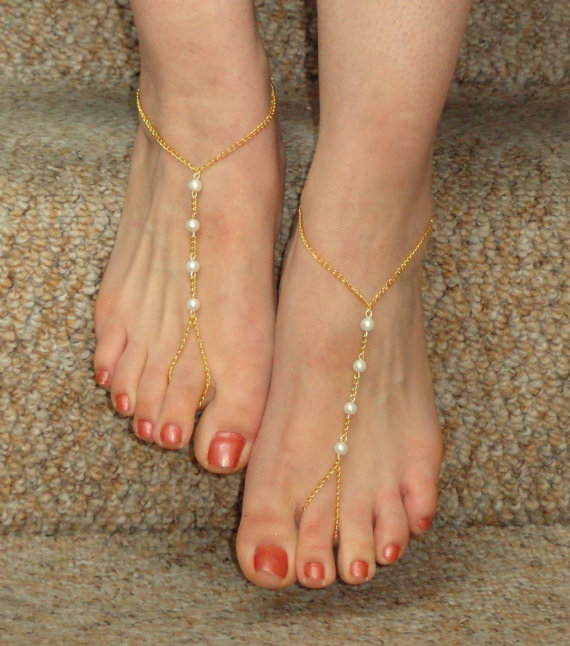 Mariage - Bridal pearl barefoot sandals, Barefoot sandals, Gold pearl barefoot sandals, Foot jewelry, Bead bare foot sandals, Bridesmaids jewelry
