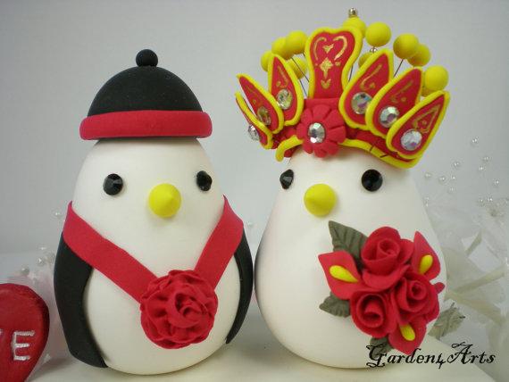 Свадьба - Chinese Wedding Cake Topper-  Custom Love Birds with clay base
