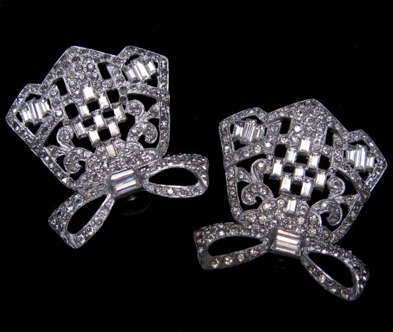 Hochzeit - Large VINTAGE Antique French Paste RHINESTONE Shoe CLIPS Pair Art Deco 1930s Bows Wedding Accessories