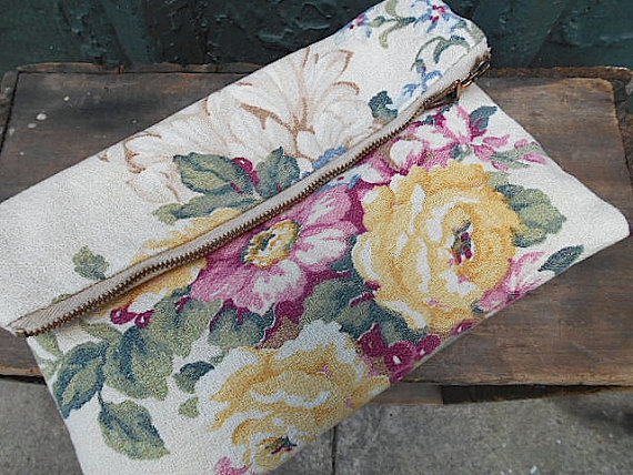 Mariage - Floral roses clutch, iPad case, foldover, wedding bag - 1930s barkcloth - eco vintage fabric