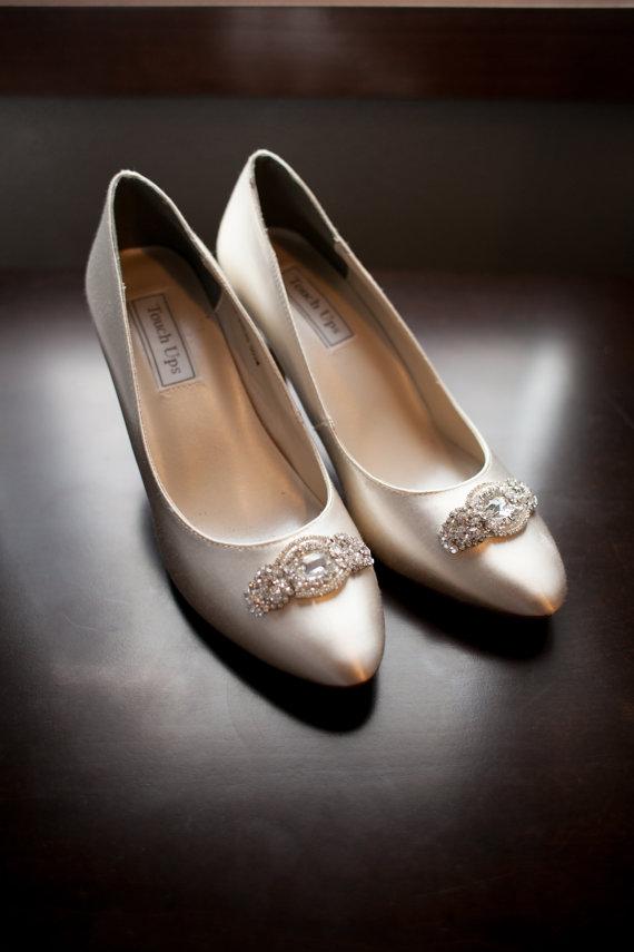 Свадьба - Wedding Bridal Swarovski Crystal Beaded Shoes Clips, bridal shoe clips, wedding shoe brooches