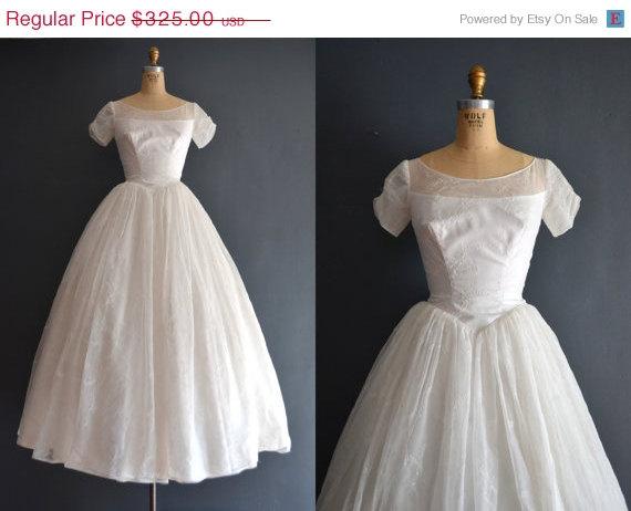 9aa679424b3 SALE - 30% OFF Kelsey   50s wedding dress   vintage 1950s wedding dress
