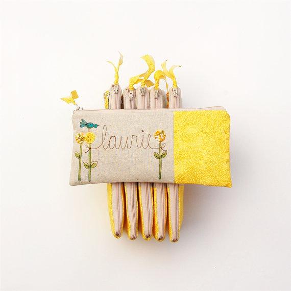 زفاف - Modern Yellow Wedding Clutches, 6 Personalized Bridesmaid Gifts, Summer Bridal Clutches, Embroidered Wedding Purses MADE TO ORDER