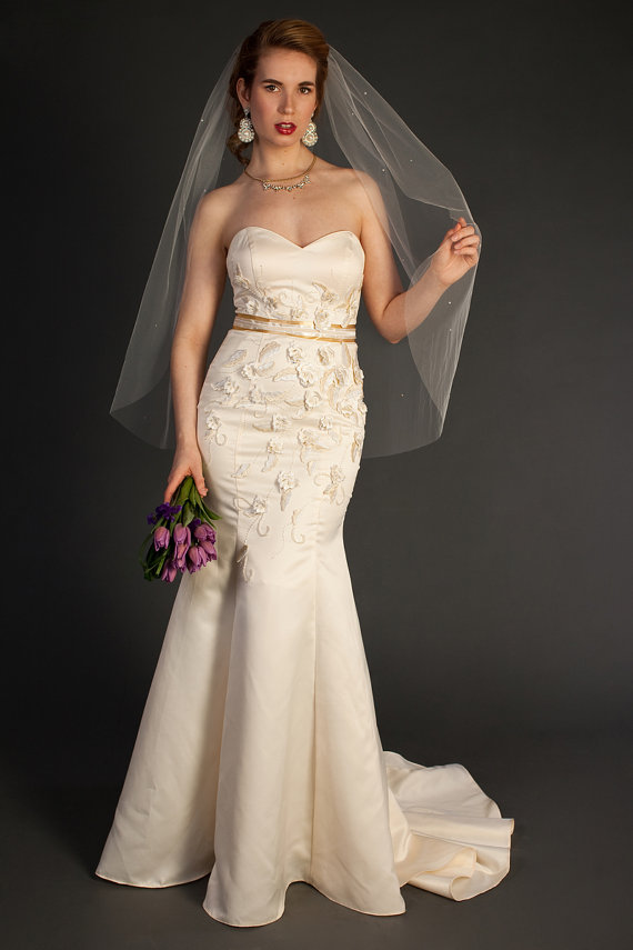 """Mariage - Ready to ship: Ivory color, Fingertip veil with scattered pearls, bridal veil, Available in 40"""" length"""