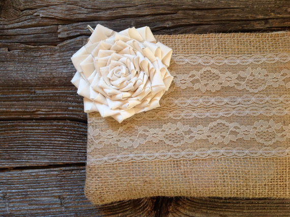 Mariage - Bridesmaid Gift - Burlap Clutch - Ivory Wedding Clutch - Maid of Honor Gift - Ivory Lace Wedding - Bridesmaid Clutch - Wedding Bag - Burlap