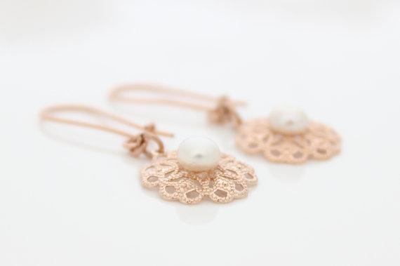 Mariage - Rose gold earrings - Filigree earrings with a pearl, bridal earrings, Wedding jewelry
