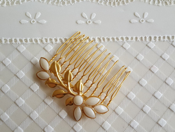 Mariage - Gold Hair Comb With Ivory Pearls - Bridal hair accessories -  Wedding Hair Jewelry - Wedding Hair Comb - Leaf Hair Comb - bridal head piece