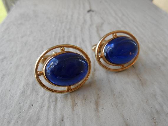 Mariage - Vintage Cobalt Blue Glass Cufflinks. Wedding, Men's Christmas Gift, Dad.  1960s.