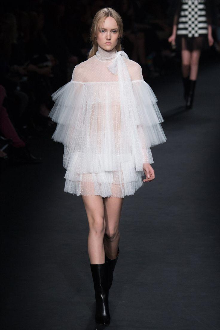 Wedding - Valentino Fall 2015 Ready-to-Wear - Collection - Gallery