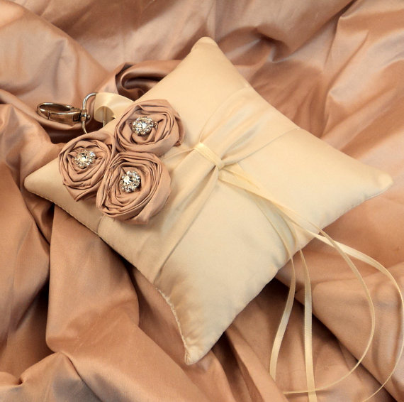 Свадьба - Dupioni Silk Flower Trio Pet Ring Pillow with Rhinestones and Swivel Collar Attachment..50 Plus Colors..shown in cream ivory/dusty rose pink
