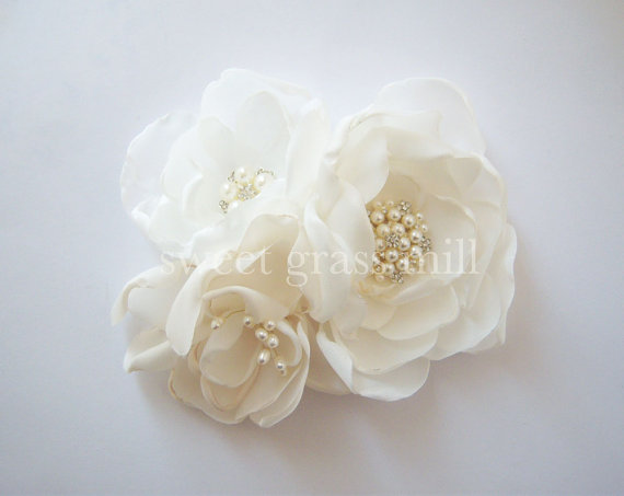 Mariage - Champagne Fascinator Veil Set - GRANDE FLEURETTE - Ivory White Champagne Handcrafted Flower Pearl Fascinator Birdcage Veil