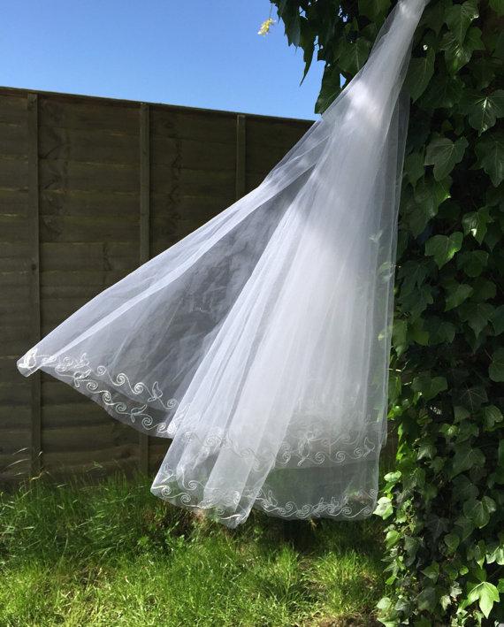 """زفاف - Vintage wedding veil white embroidered netting soutache swirls 1960s 1950s style 38"""""""