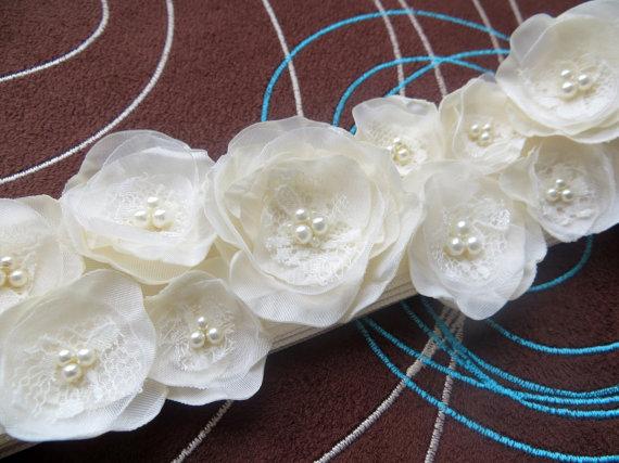 Mariage - Ivory bridal dress sash, bridal belt accessory, wedding flower sash, satin ribbon belt, bridal dress accessory, wedding dress sash