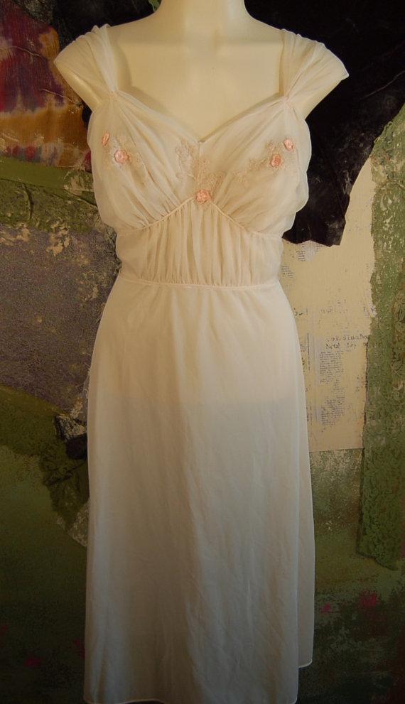 Hochzeit - Vintage Chiffon Night Gown size 36