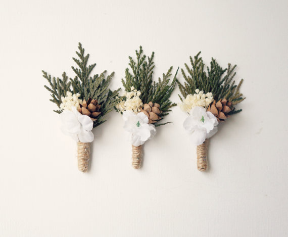 Свадьба - Woodland boutonniere, Woodland whimsy buttonhole for groom, Pinecone wedding boutonniere, Whimsical groomsmen pin, Rustic Buttonhole