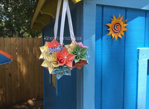 Hochzeit - Rainbow- Paper Flower Kissing Balls..Set of 3 // Kusudama/ Origami/ Paper Flowers/ Pomander/Kissing Ball/ Paper ball