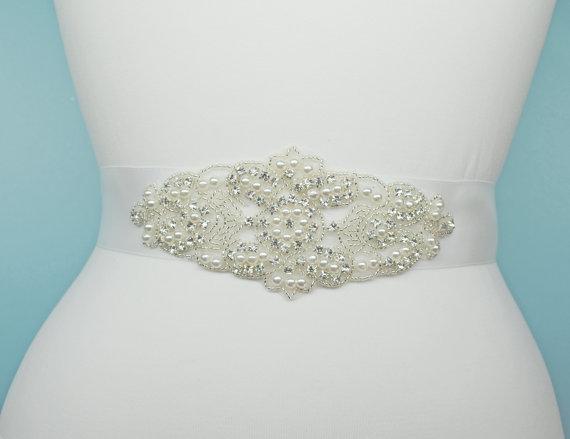 Mariage - Wedding Dress Belt Bridal Belt Sash Belt Pearls Belt Rhinestone Belt Crystal Belt Rhinestones and Pearls Sash Wedding Sash Dress Sash