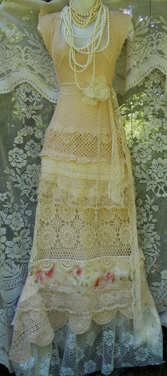Свадьба - Cream wedding dress crochet  lace tulle floral roses boho  vintage  bride outdoor  romantic small by vintage opulence on Etsy