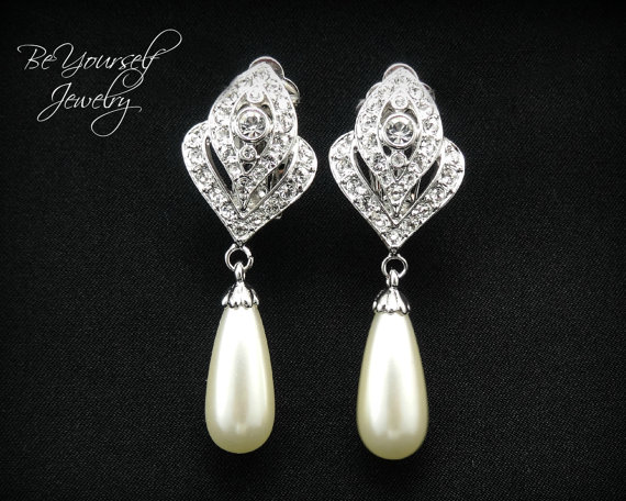 Hochzeit - Clip On Earrings Teardrop Pearl Bridal Earrings Sparkly White Crystal Earrings Off White Pearl Bridesmaid Gift Wedding Jewelry Pearl Jewelry