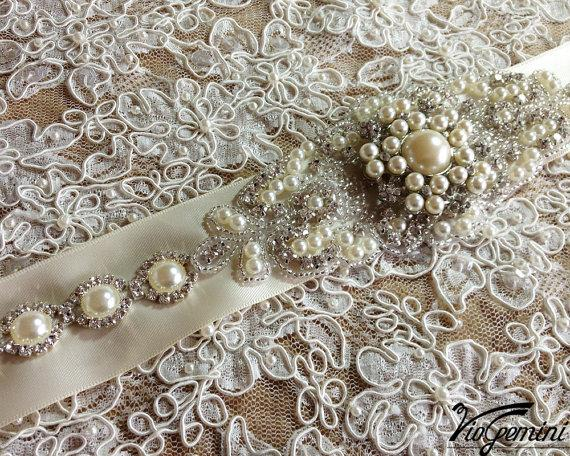 Wedding - Bridal sash, Wedding sash, Bridal belt , crystal sash, rhinestone sash, jeweled belt, bridal belt, wedding gown belt, custom color