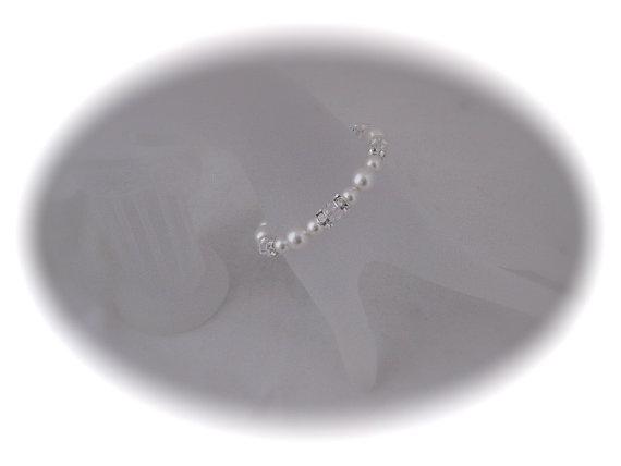 Hochzeit - Bridal Bracelet Pearl bracelet Wedding Jewelry bracelet