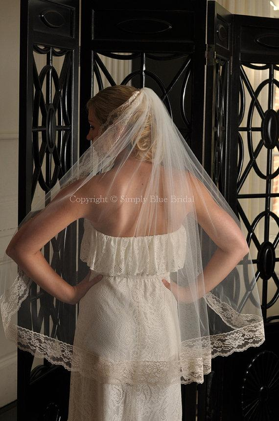 Hochzeit - Bridal Veil - Fingertip with Floral Lace - White, Diamond White, Light Ivory, Ivory, Champagne