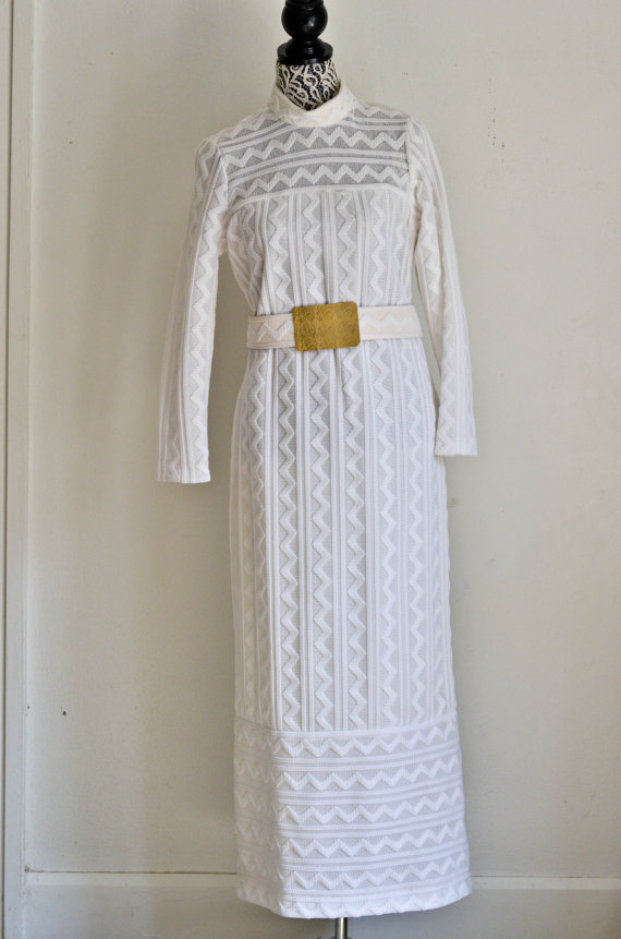 Mariage - SALE 25% OFF/ Vintage 60s Mod Chevron Wedding Dress