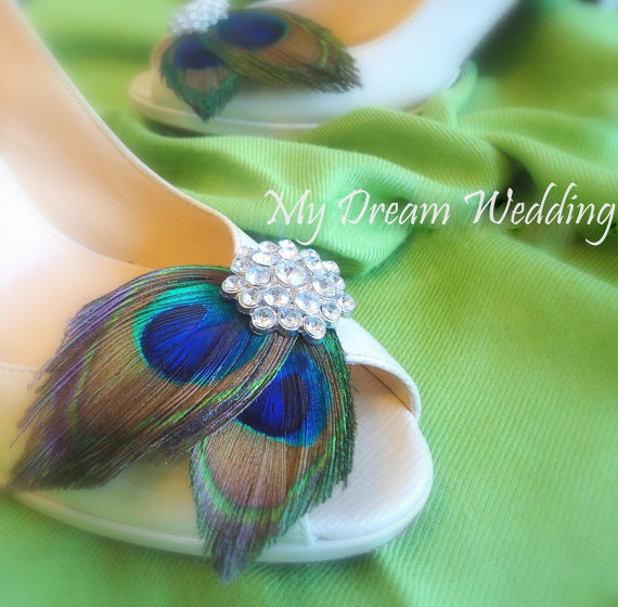 Mariage - ON SALE Peacock Shoe Clips. Best Seller- .Stunning, Bridal, Wedding. Other Rhinestone colors  available - PARISIENNE Girl Collection-