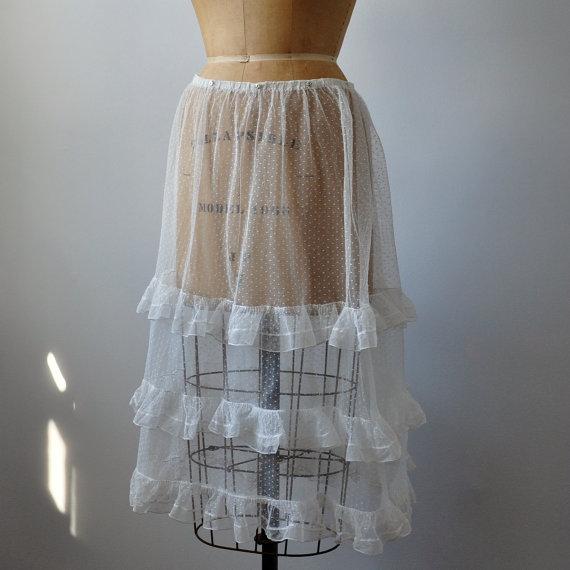 "Свадьба - Rare Net Lace Ruffled Petticoat Slip Bridal Wedding Victorian White Sheer  28"""